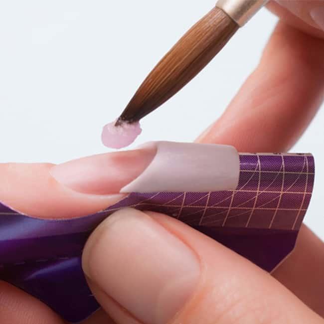 ricostruzione-unghie-acrilico
